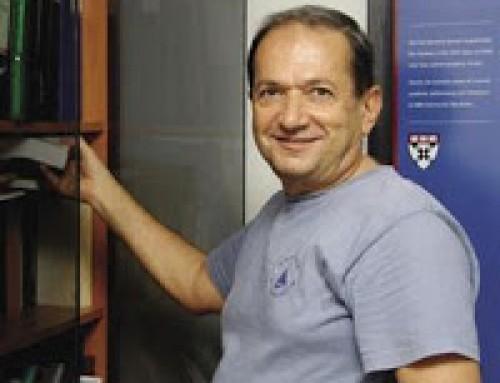 Bilim Akademisi üyesi  Metin Arık 2013  Türk Fizik Derneği Onur Ödülünü aldı.