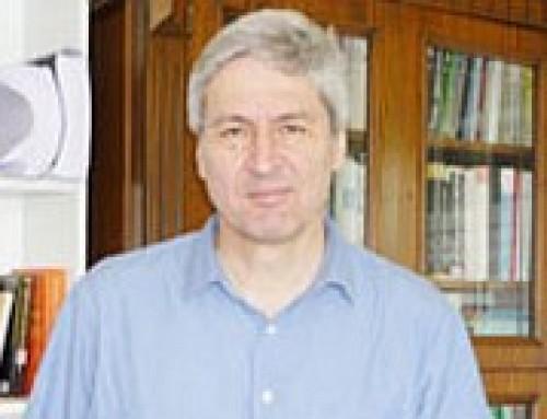 Radikal Gazetesi Yazarı Ezgi Başaran'ın Bilim Akademisi üyesi Şevket Pamuk ile Röportajı