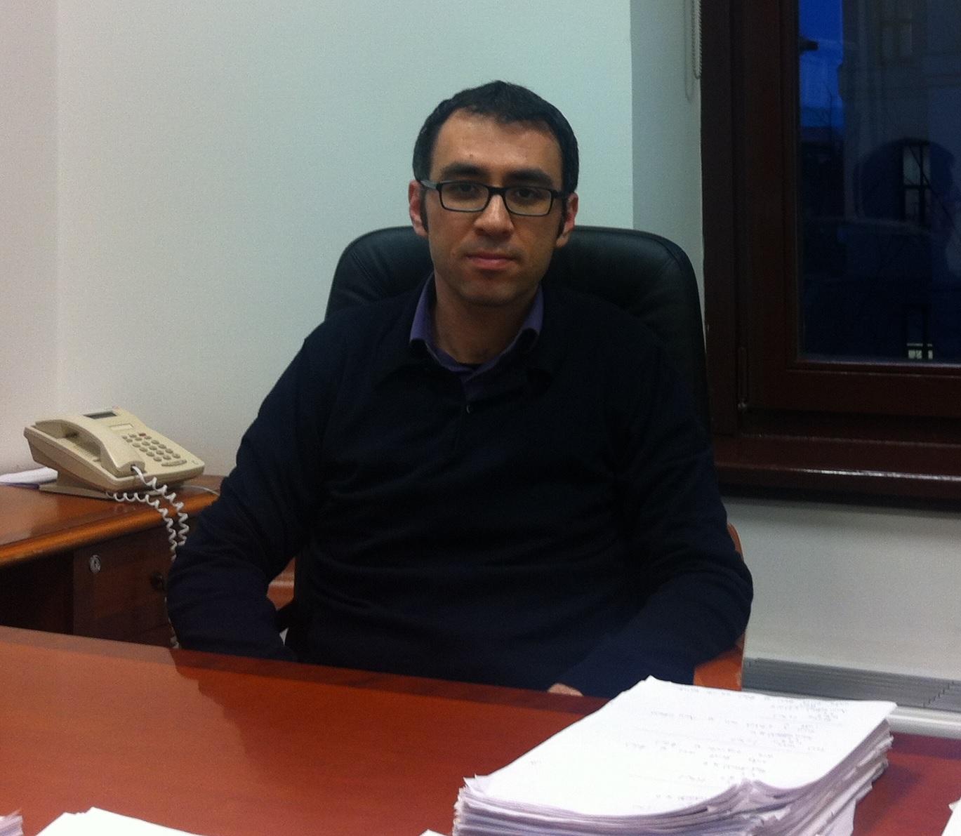 Emre Mengi - Koç Üniversitesi - Matematik