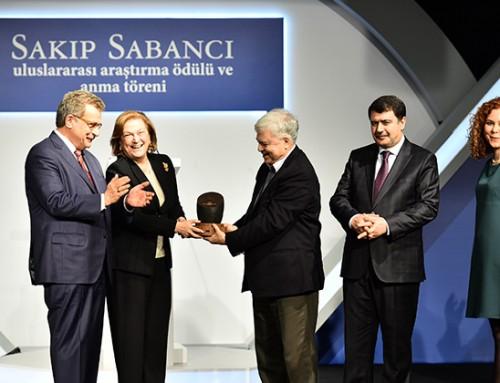 İlhan Tekeli'ye 2016 Sakıp Sabancı Uluslararası Araştırma Jüri Özel Ödülü